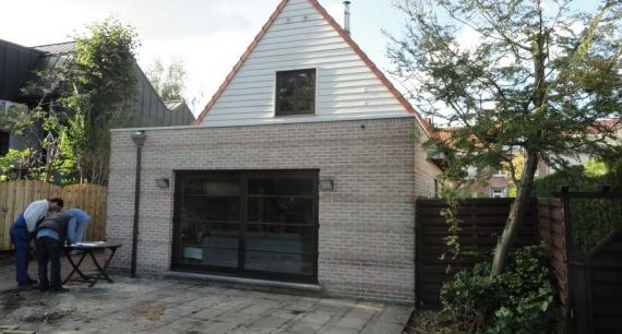 Aanbouw te Gentbrugge voor